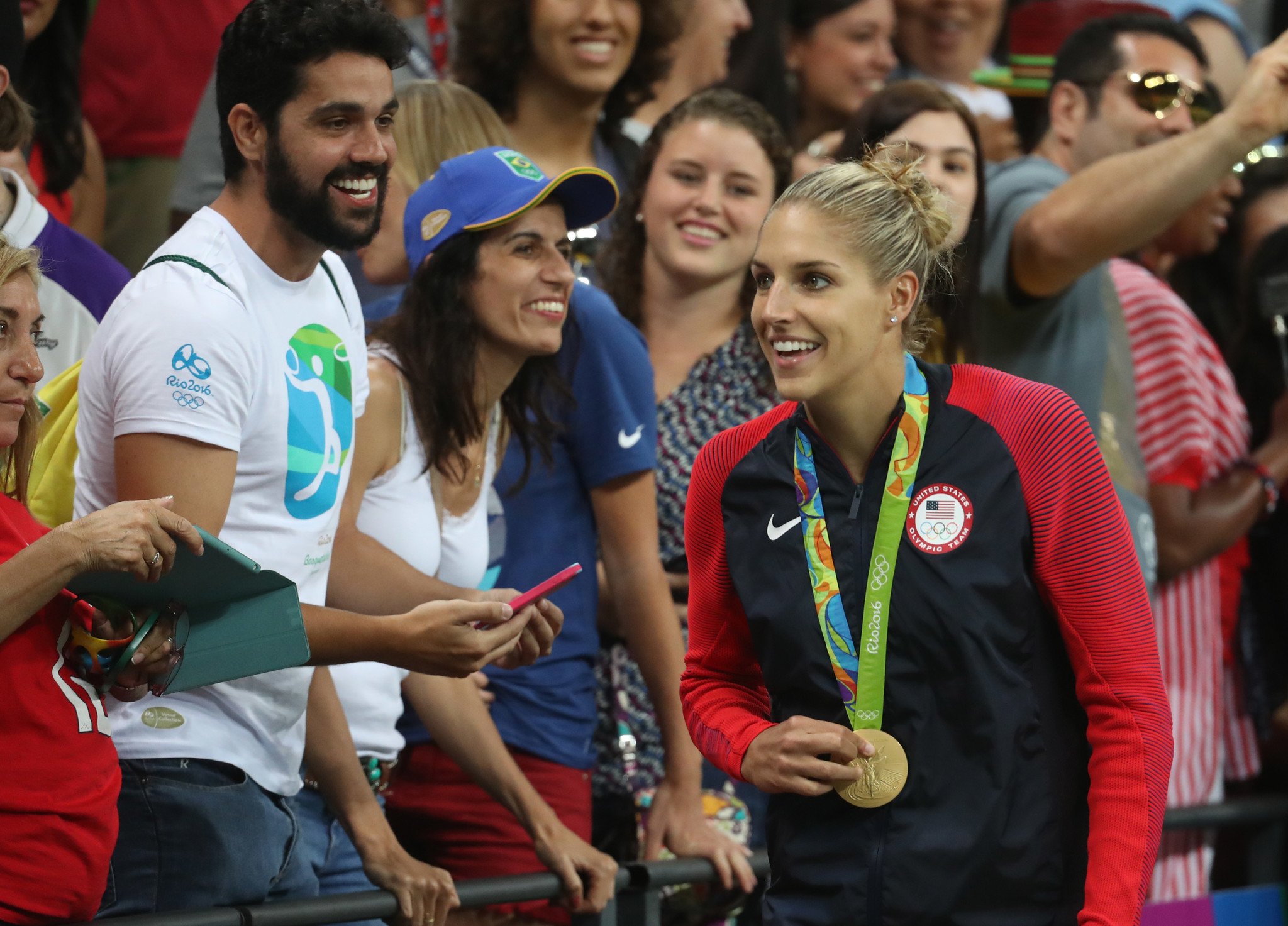 Elena Delle Donne and fiancee are The Knot's first same-sex Dream ...
