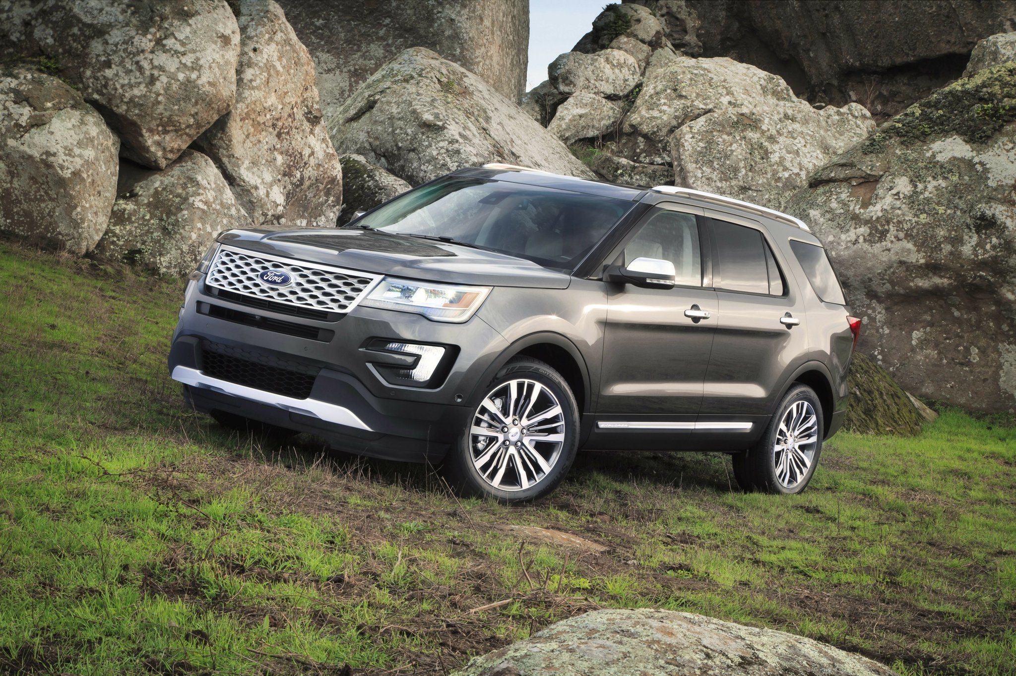 Luxury name of game in Ford Explorer Platinum model - The San Diego Union-Tribune & Luxury name of game in Ford Explorer Platinum model - The San ... markmcfarlin.com