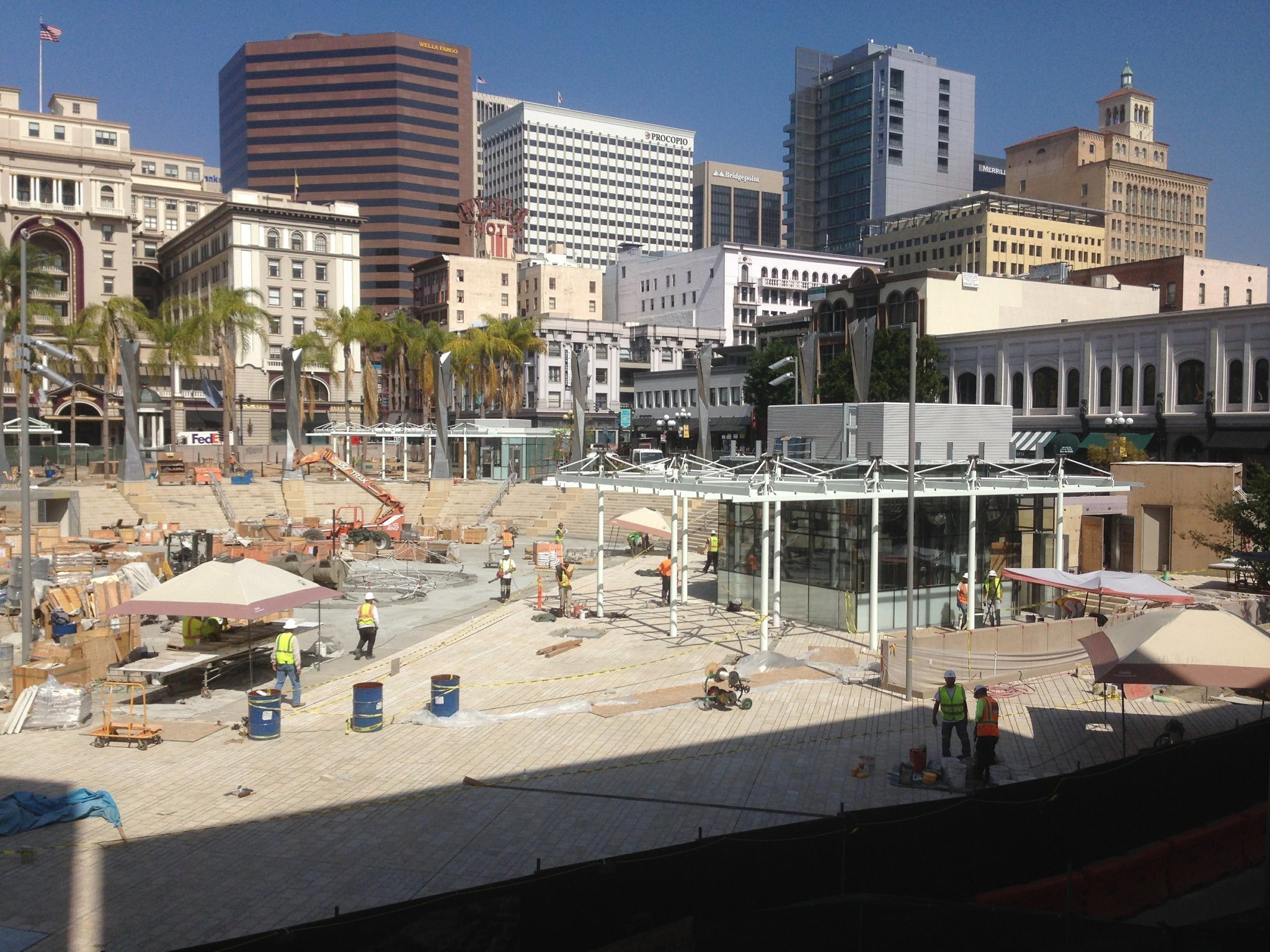 Westfield Horton Plaza, not to be confused with its adjacent namesake Horton Plaza, is a five-level outdoor shopping mall located in downtown San Diego known for its bright colors, architectural tricks, and odd spatial rhythms. It stands on city blocks adjacent to the city's historic Gaslamp londonmetalumni.ml: Westfield Corporation.