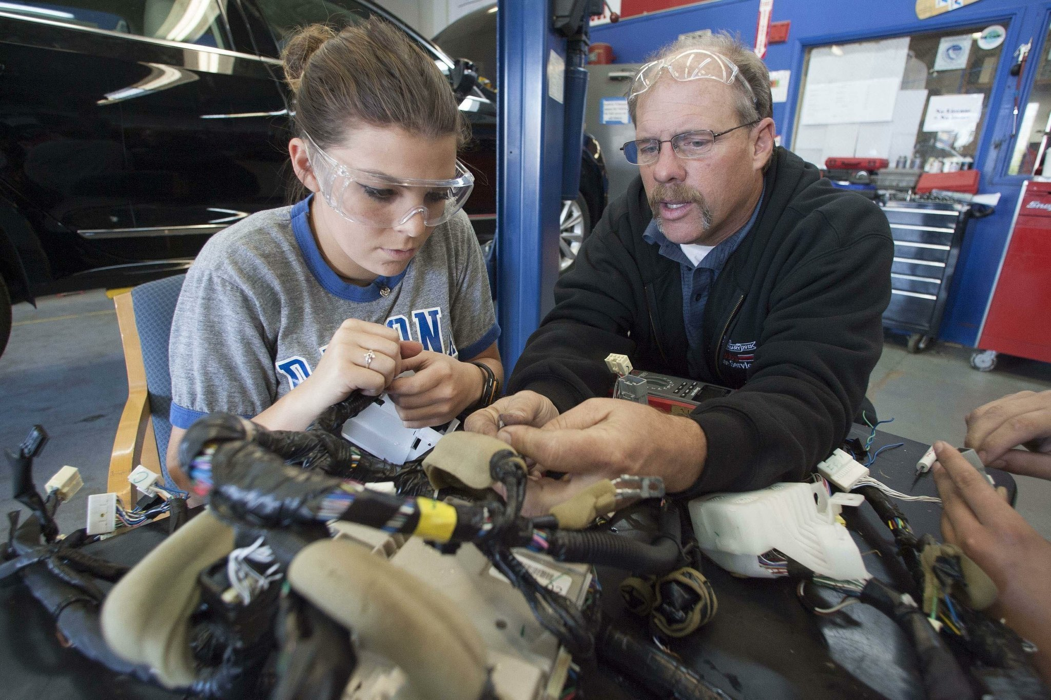 Auto mechanic school price 15