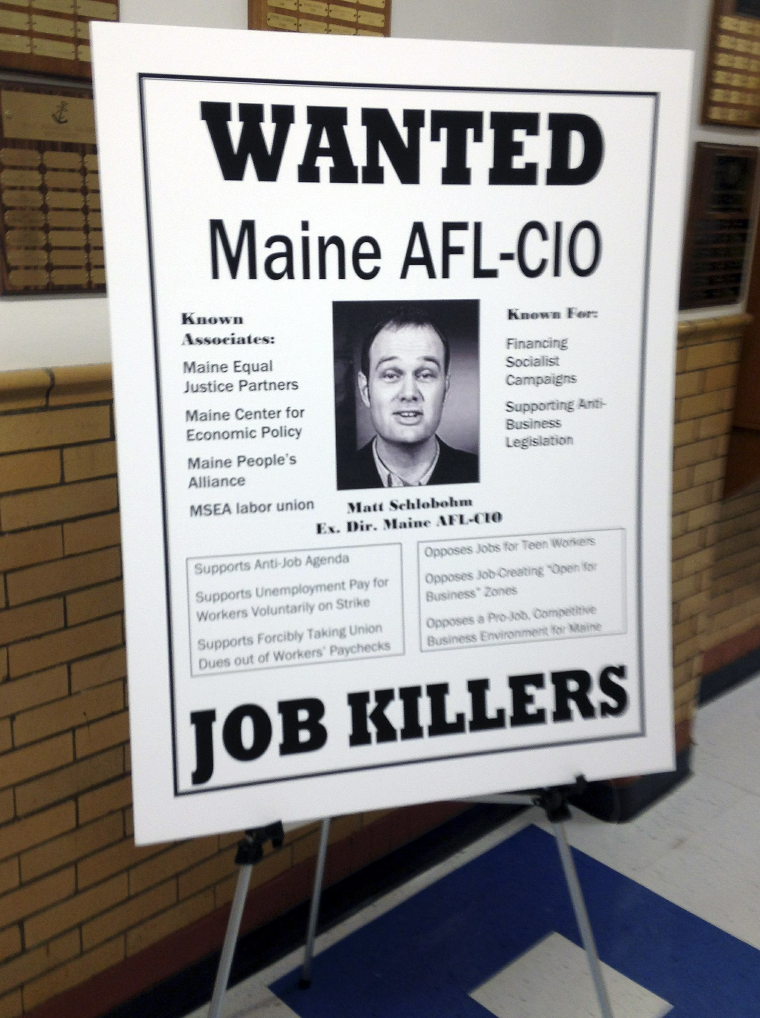 Maine Governor Displays Wanted Posters At Latest Town Hall   The San Diego  Union Tribune