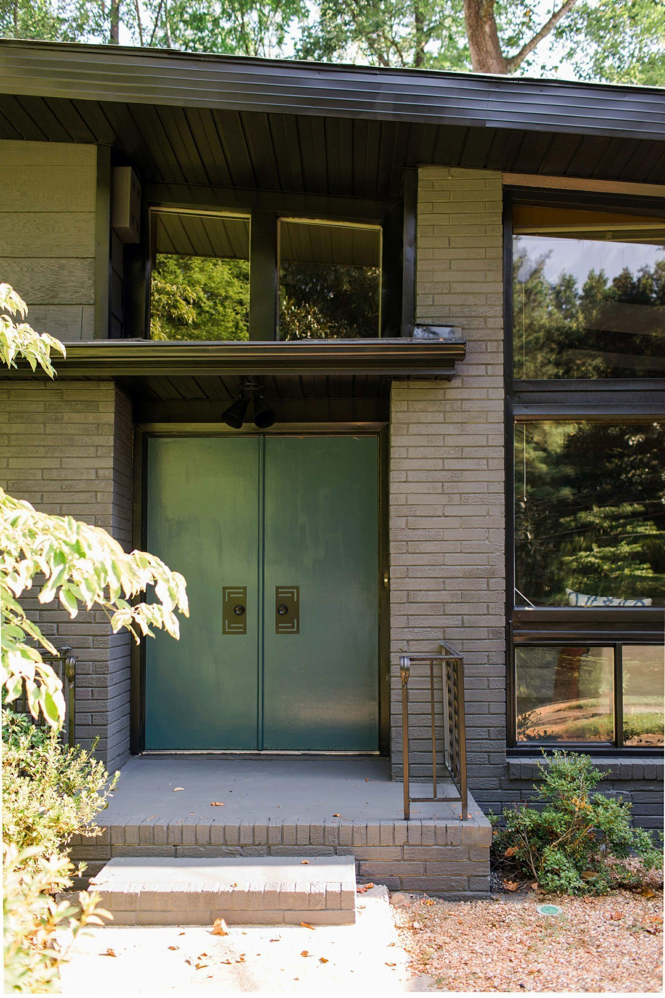ask a designer: making a home's entrance inviting all year - the