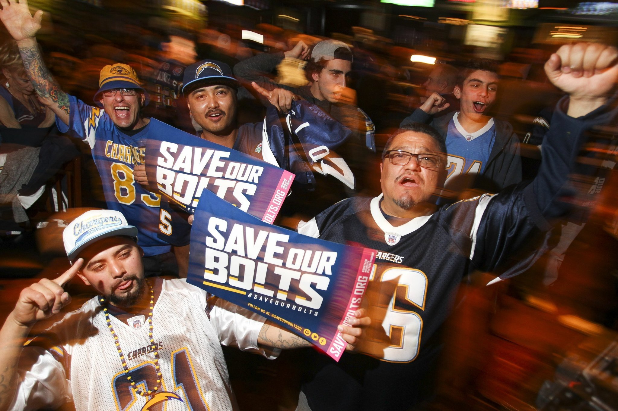 Chargers Fans Rally At Tilted Kilt The San Diego Union