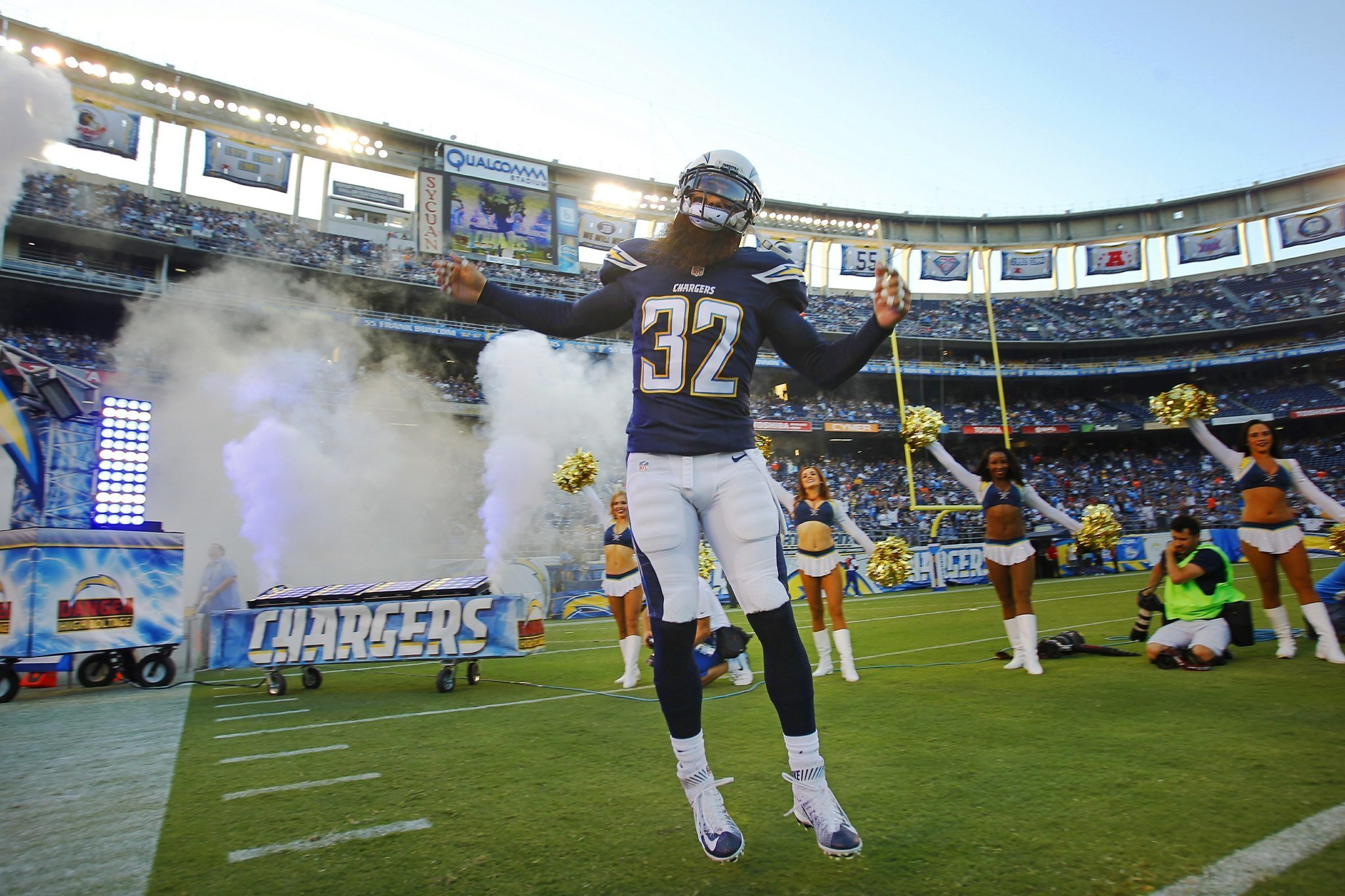 Bolts Came Off Like Bad Guys But Weddle In The Wrong
