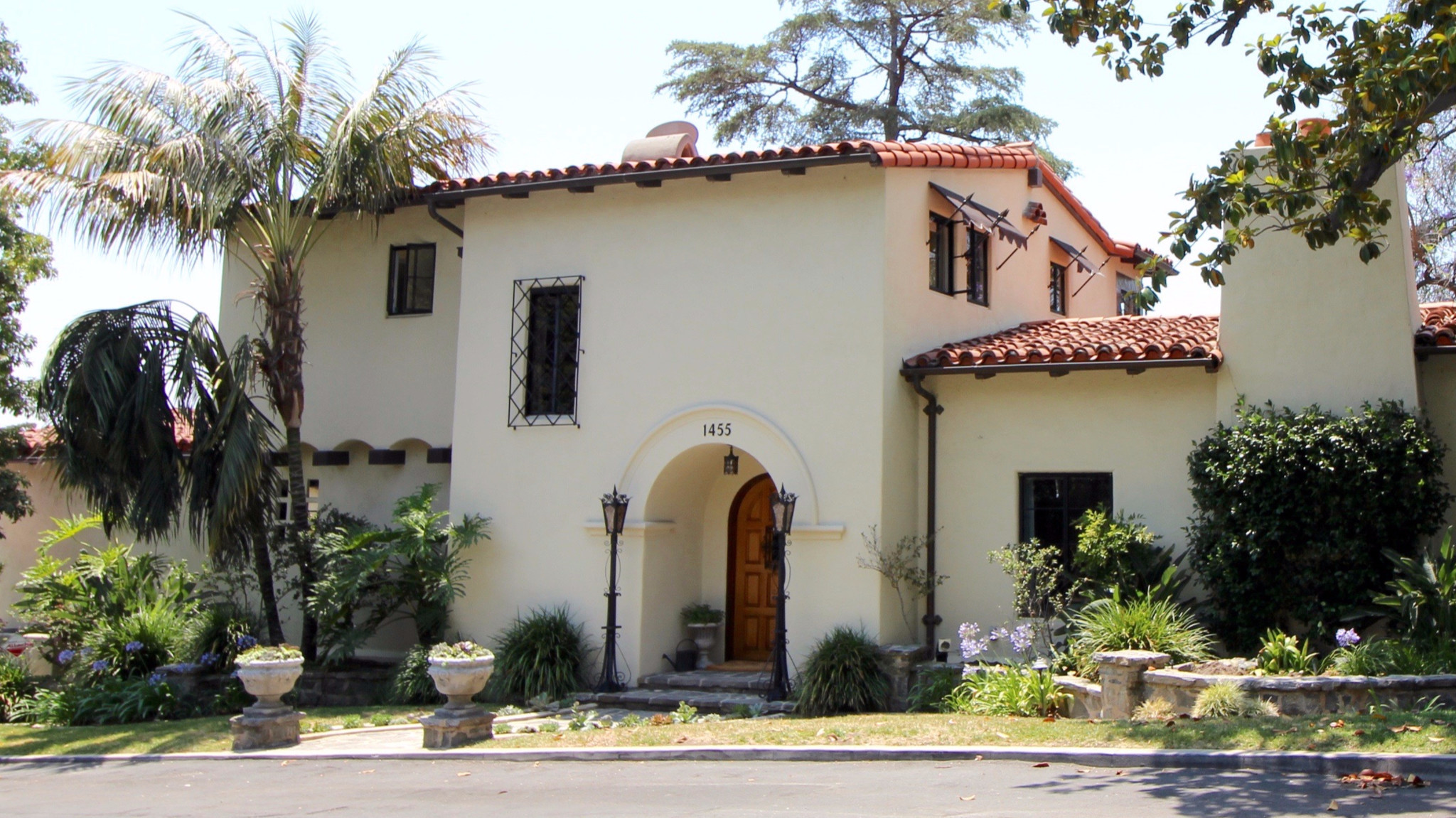 spanish splendor tour five spectacular spanish style homes in