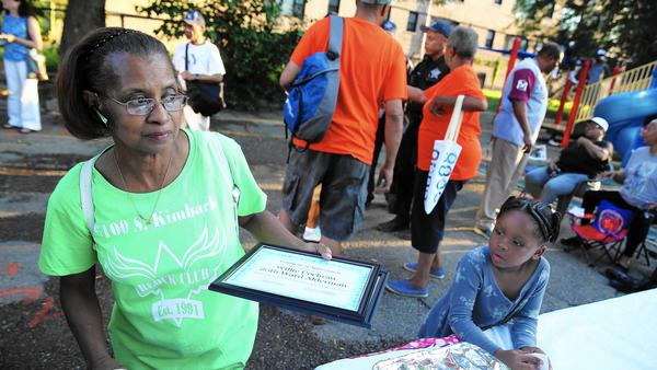 Borrowing page from Obama's past, activists seek slice of library pie – Chicago Tribune