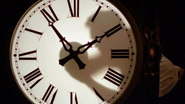 Effort to eliminate Daylight Saving Time fizzles in Senate
