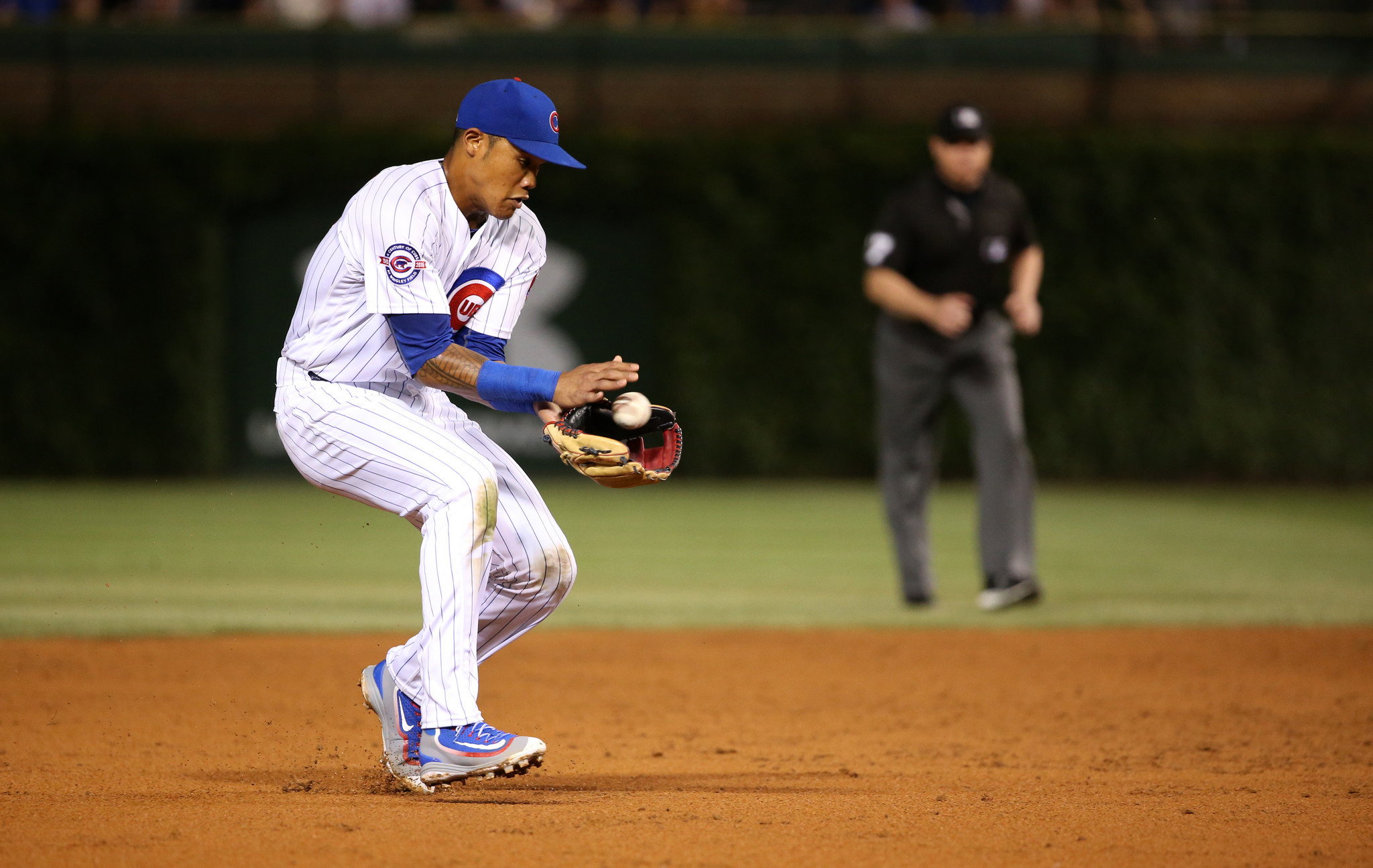 Ct-addison-russell-gold-glove-bits-cubs-spt-0824-20160823