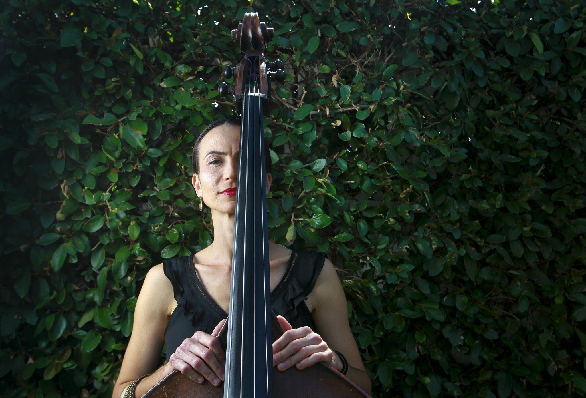 Bassist Evona Wascinski on being American