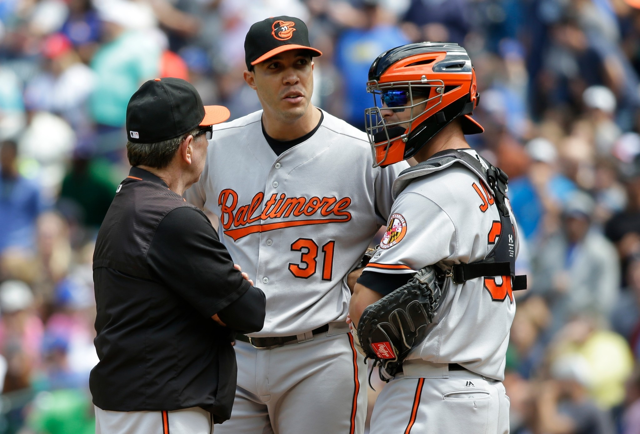Bal-dave-wallace-says-orioles-pitching-staff-in-day-to-day-mode-without-top-starter-chris-tillman-20160824