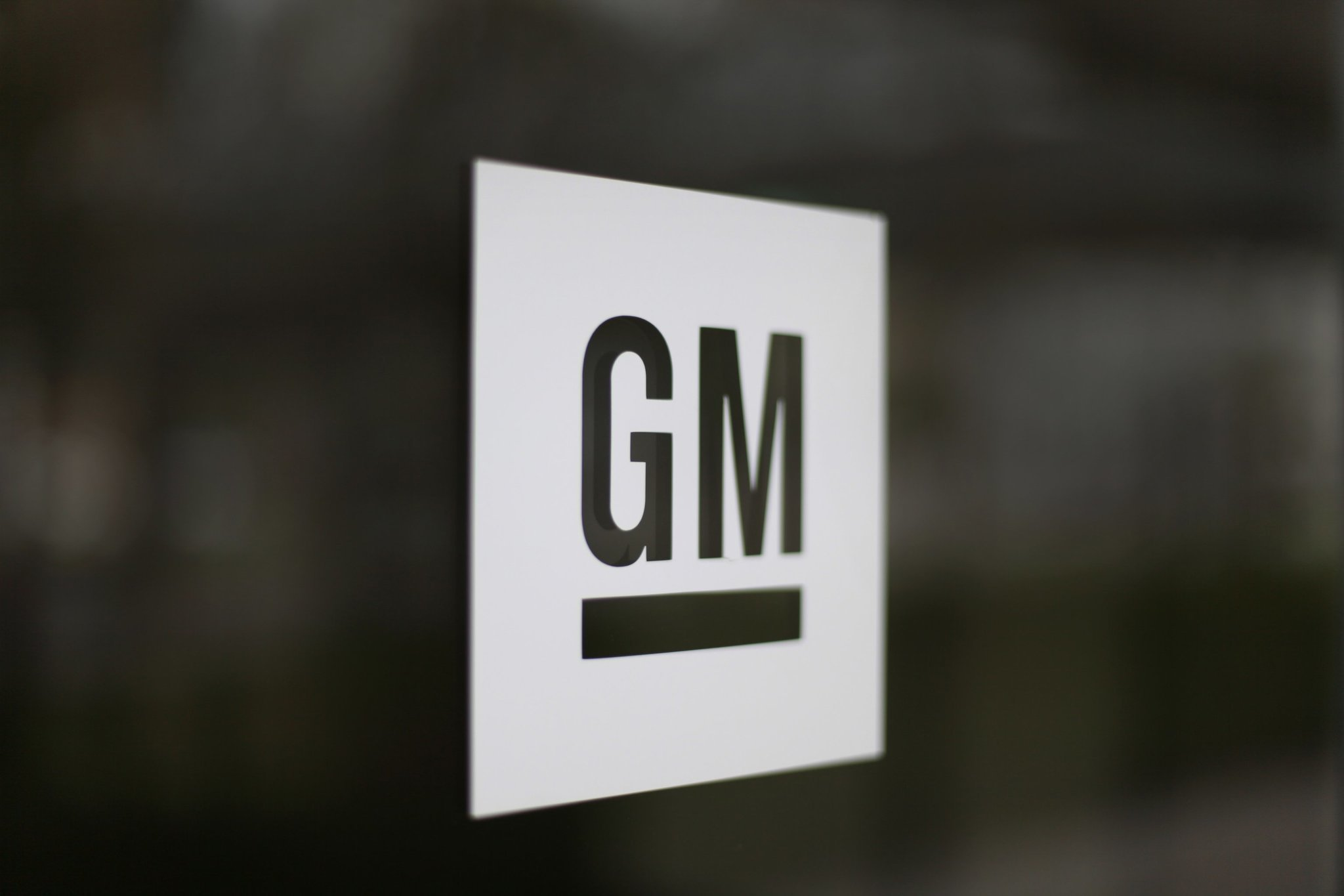 Gm Plans 5b Stock Buyback Averts Showdown With Hedge Funds The