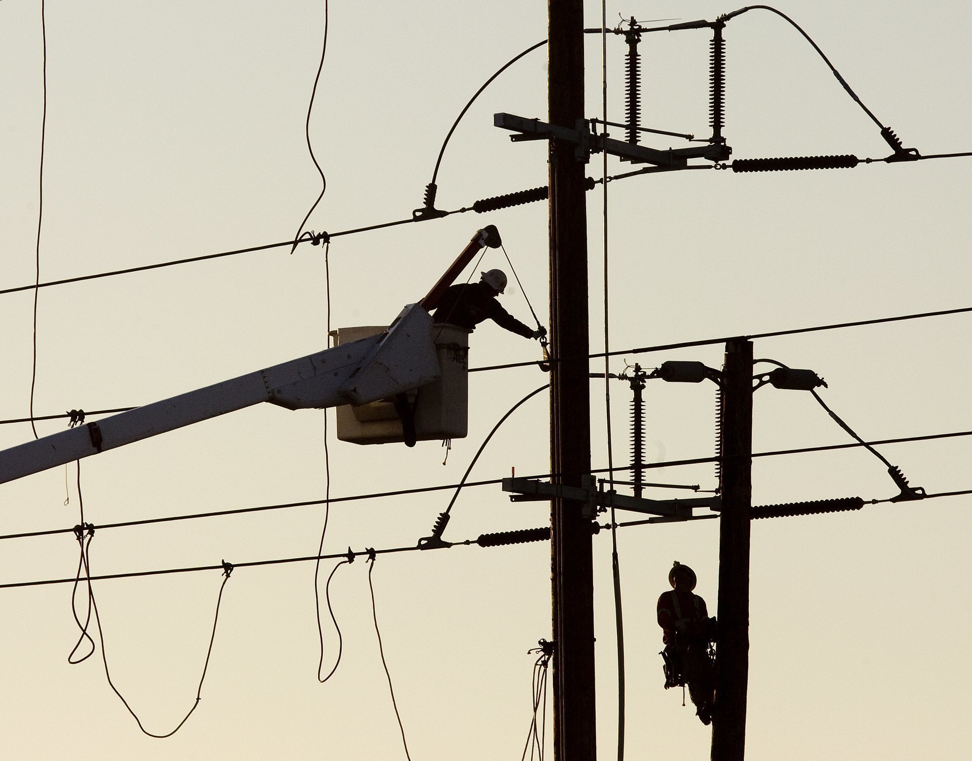 Neighborhoods balk at undergrounding wires - The San Diego Union-Tribune