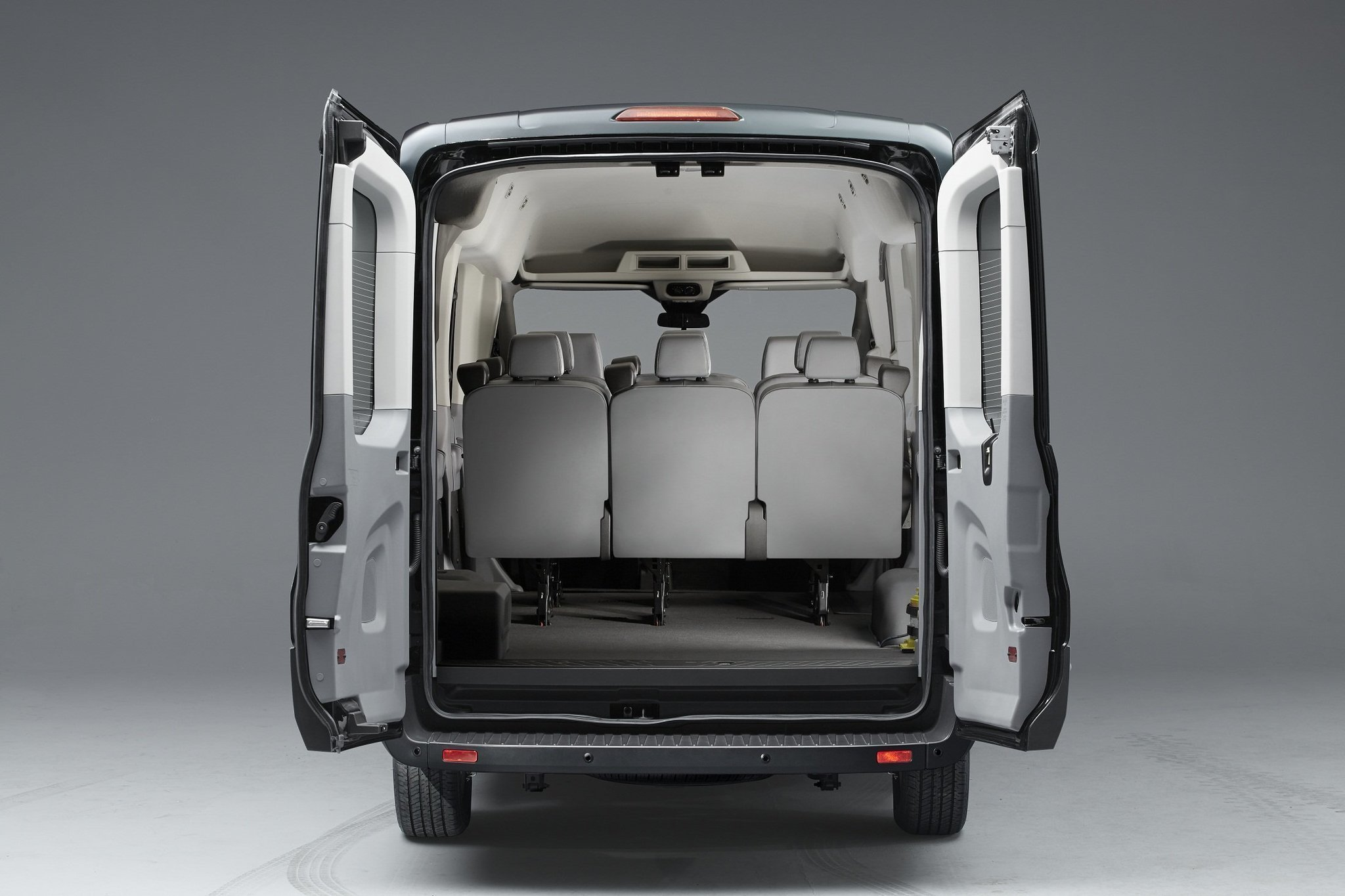 2015 ford transit passenger wagon road test the san. Black Bedroom Furniture Sets. Home Design Ideas