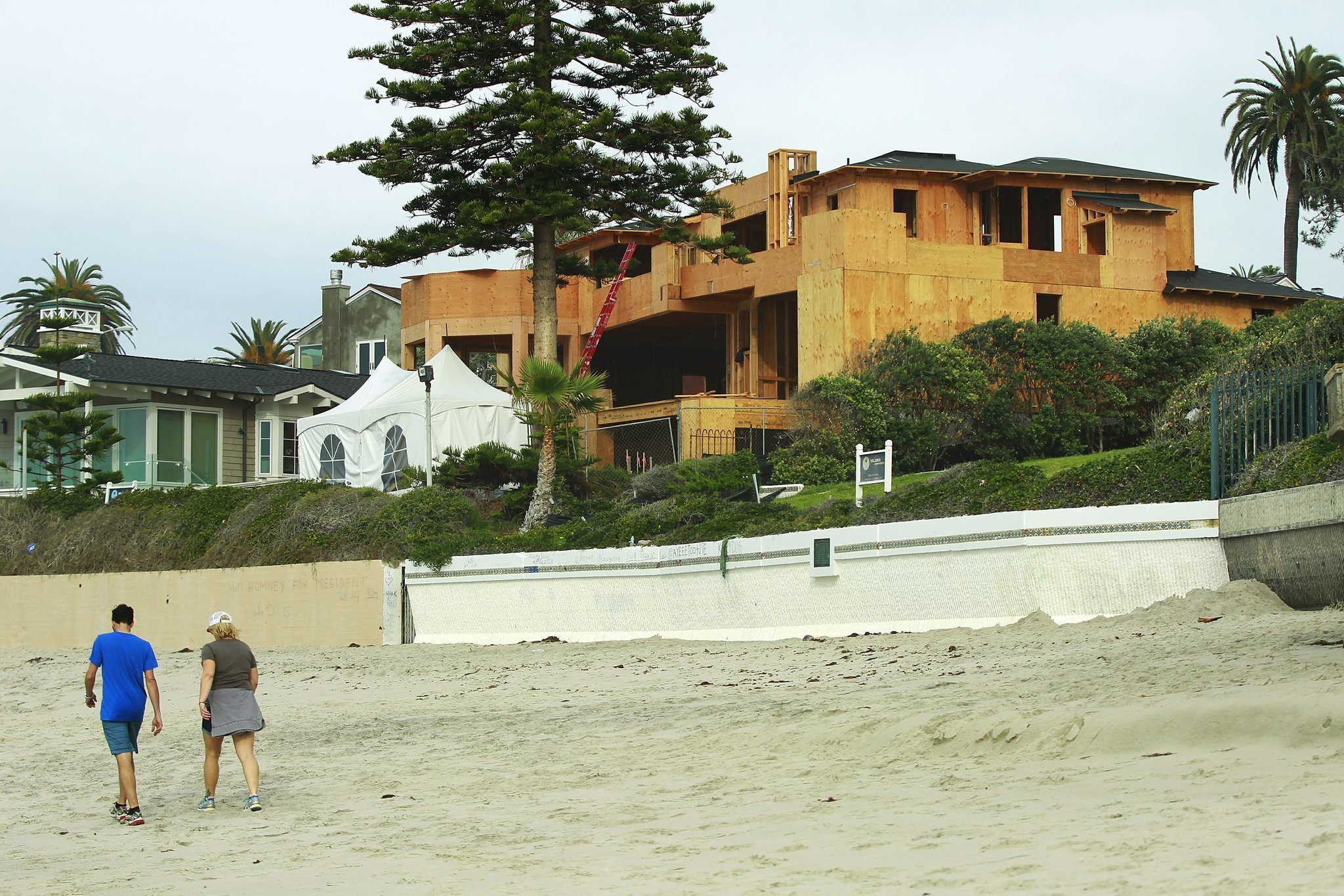 Romney may sell rebuilt La Jolla home