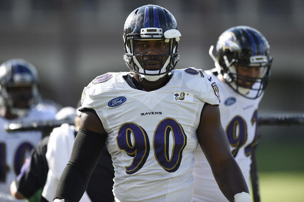 Ravens open Thursday's practice without outside linebackers Terrell Suggs, Za'Darius Smith