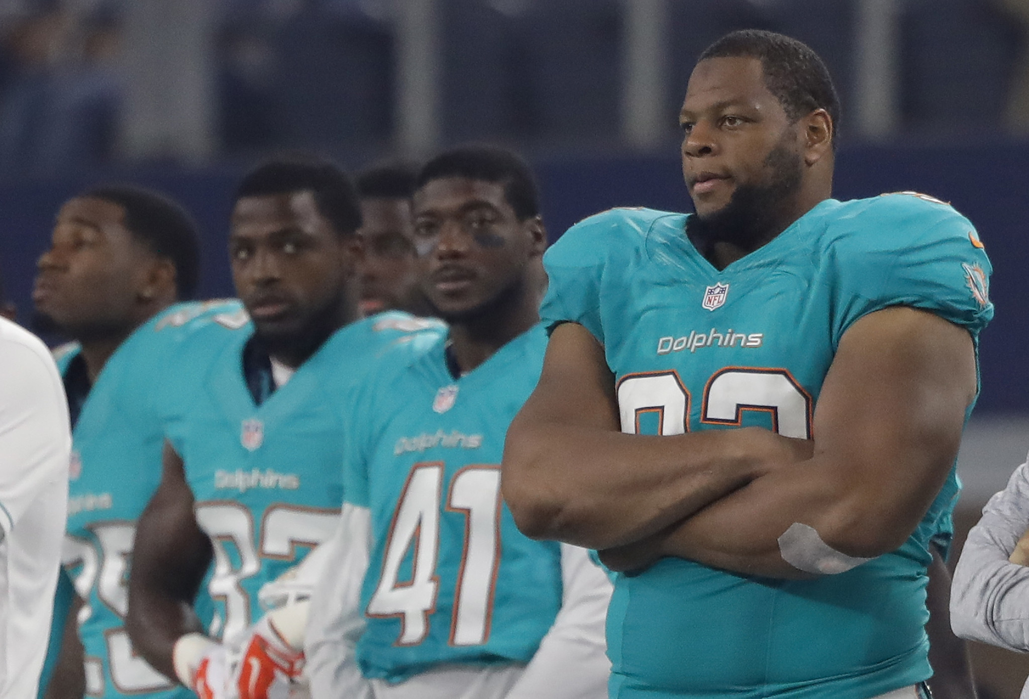 Sfl-ndamukong-suh-suffers-ankle-injury-in-preseason-game-against-falcons-20160825