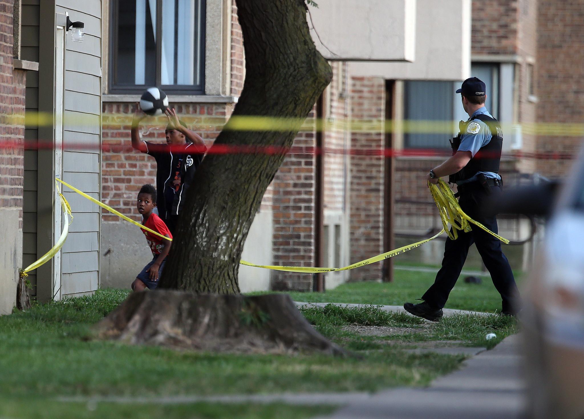 Ct-chicago-shootings-violence-20160826