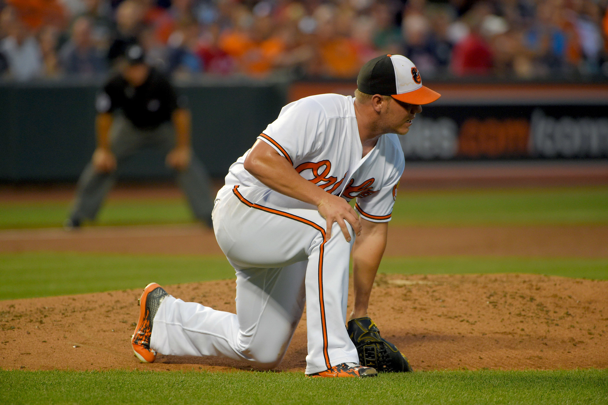 Bal-orioles-turn-to-young-stars-dylan-bundy-kevin-gausman-to-save-important-weekend-in-new-york-20160827