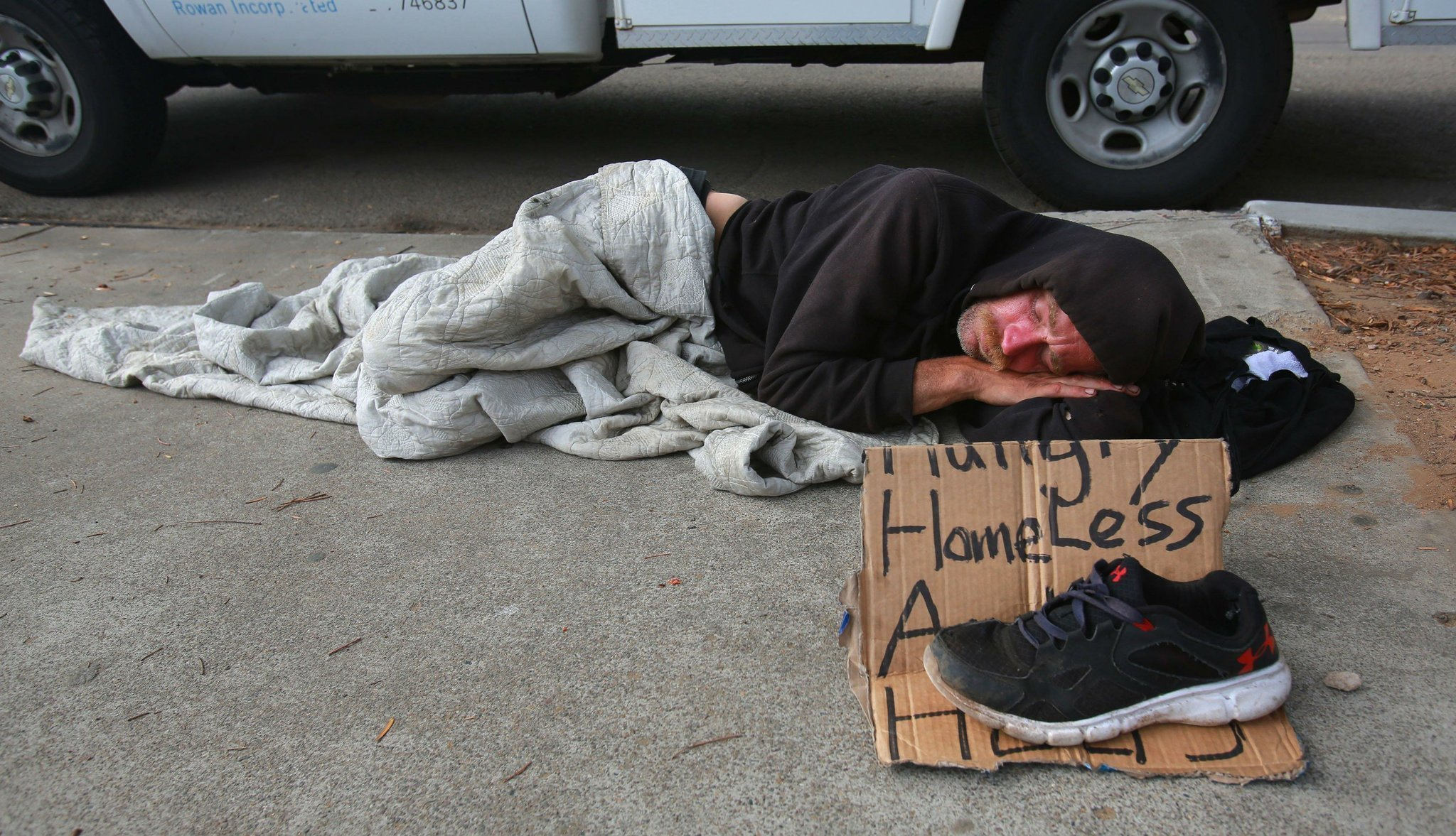 homeless in san diego Client city of san diego challenge a homeless count taken in january 2017 found more than 5,600 people sleeping on the streets in san diego, with many living along the edges of downtown in hand-built encampments and tents lined along city blocks.