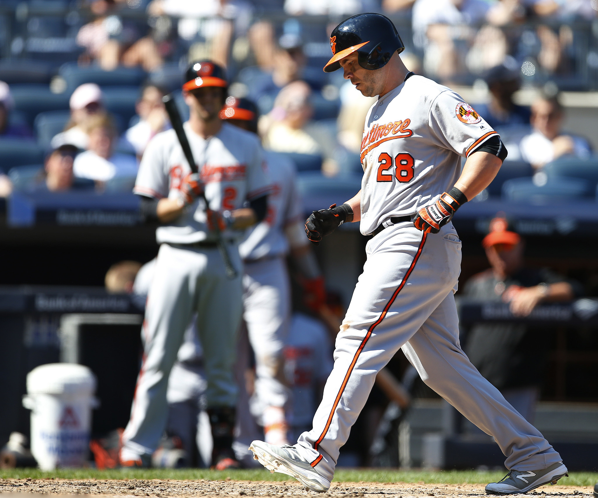 Bal-orioles-steve-pearce-leaves-game-sunday-after-aggravating-arm-injury-exit-said-to-be-precautionary-20160828
