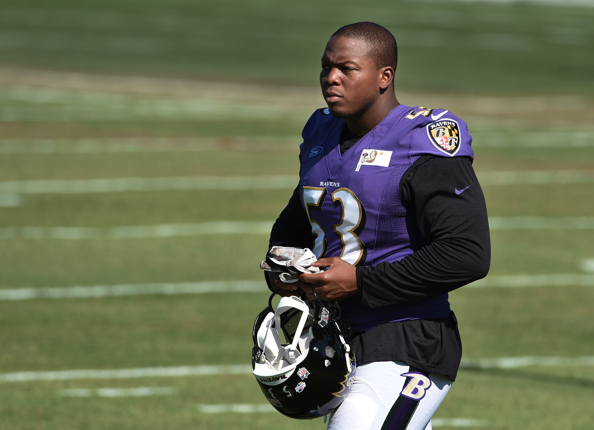 Bal-center-jeremy-zuttah-running-back-javorius-allen-are-newest-ravens-to-miss-practice-20160829