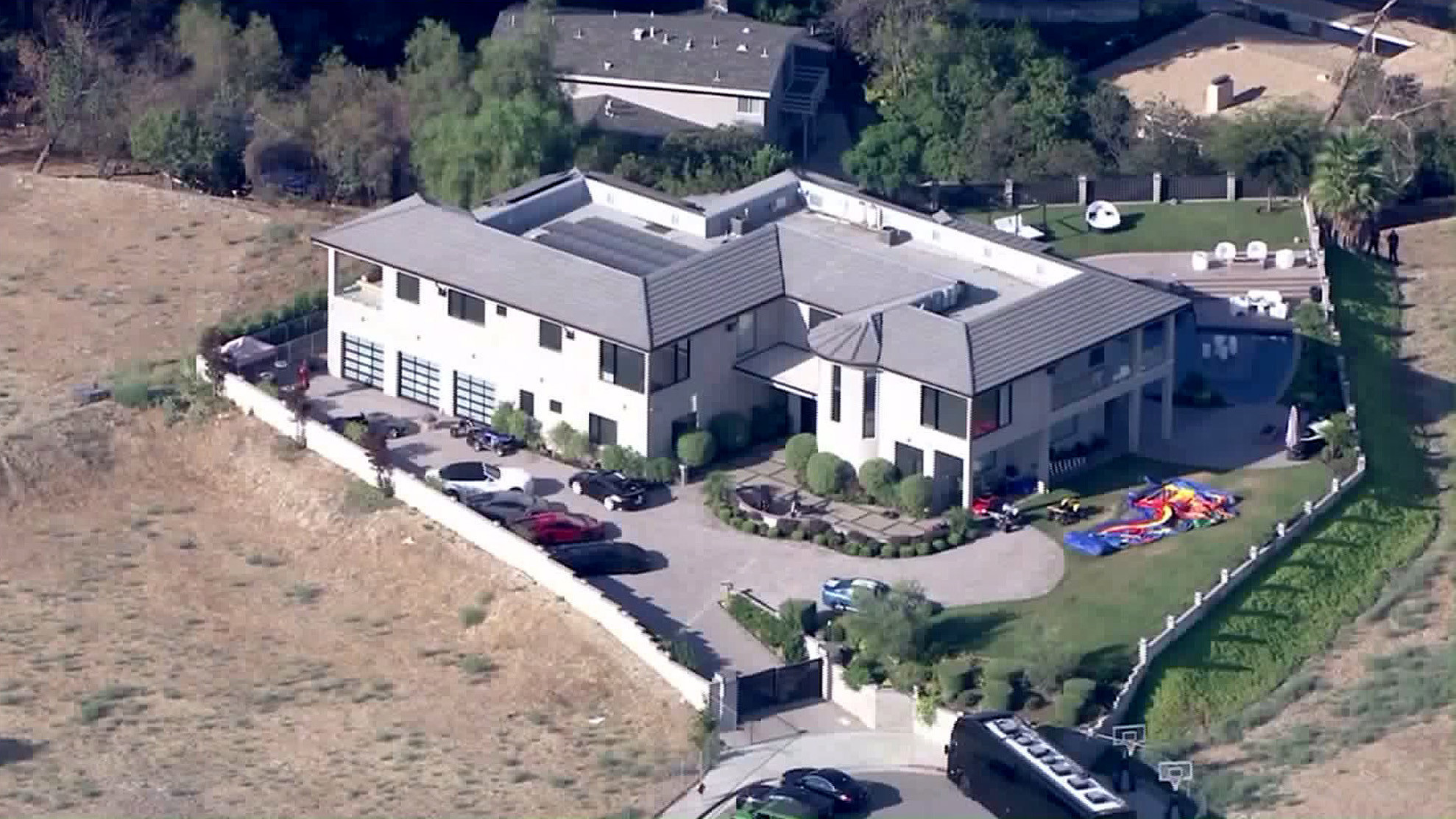 Chris brown house pictures