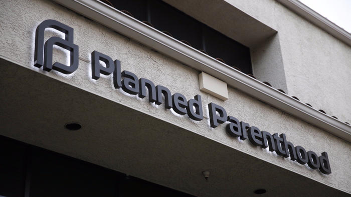 Planned Parenthood's offices in Thousand Oaks, Calif. in 2015. (Los Angeles Times)