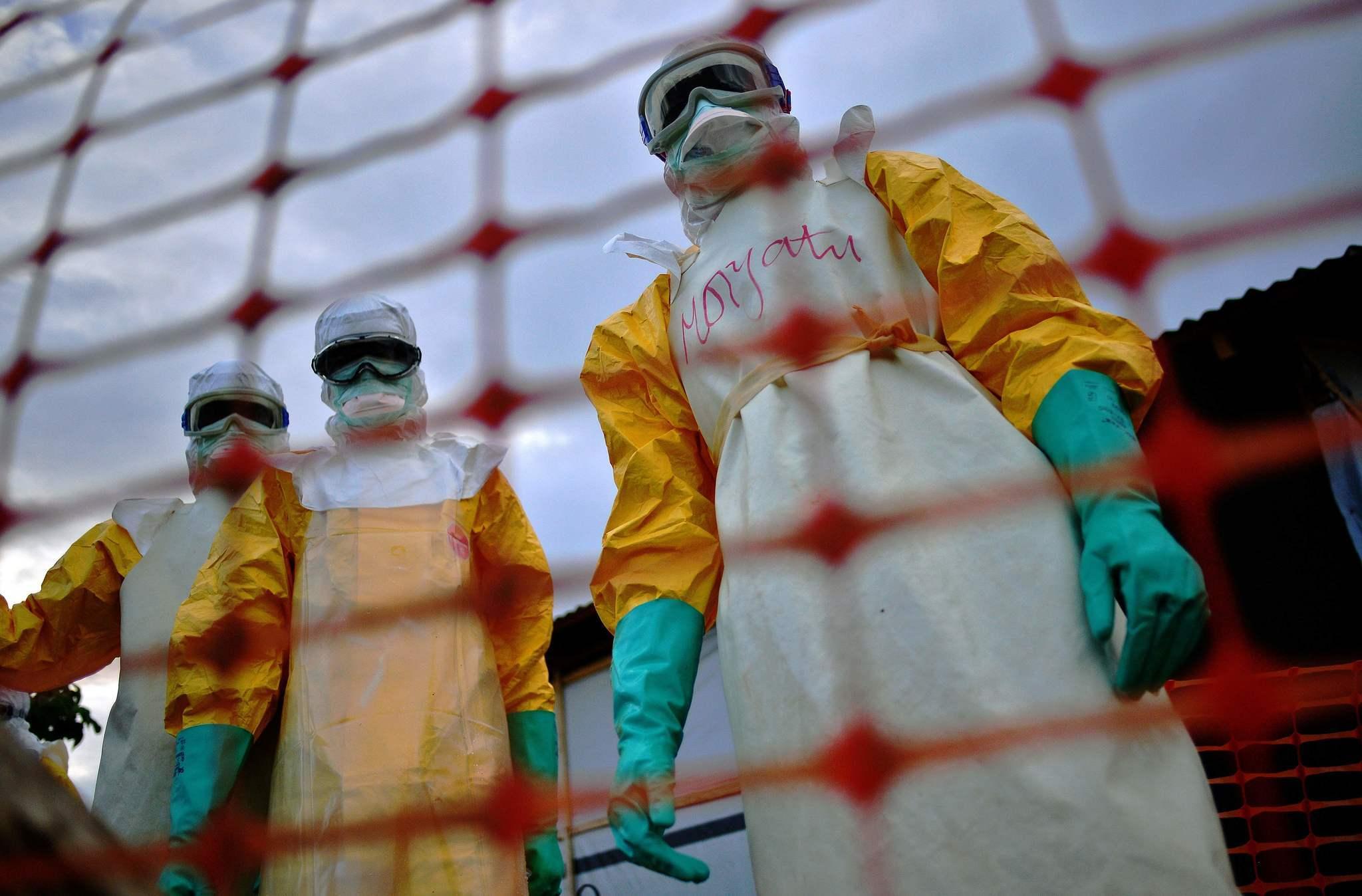 U.S. ramps up Ebola response using military