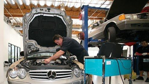 Car whispering with care at 1st avenue european auto repair la michael floyd co owner of 1st avenue european works on a mercedes benz solutioingenieria Image collections