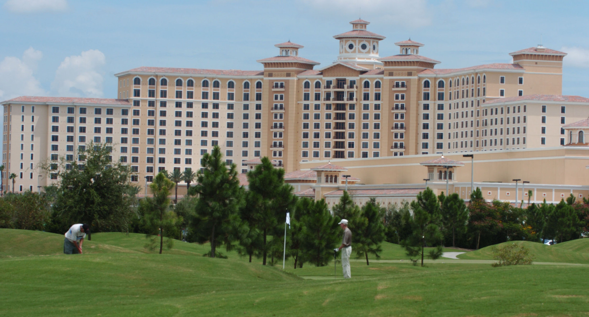 rosen hotels offering distress rates for hurricane evacuees