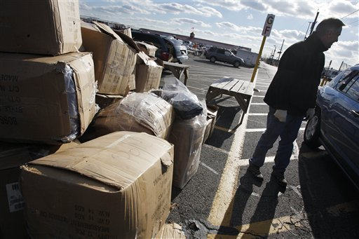 Authorities crack down on flea market fakes