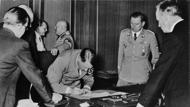 History Buffs Could Ink Deal For Hitlers Desk Set The San Diego