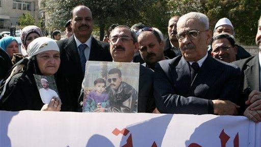 http://www.trbimg.com/img-57c8f4ba/turbine/sdut-jordanian-justice-minister-huss-20160901/512/512x288