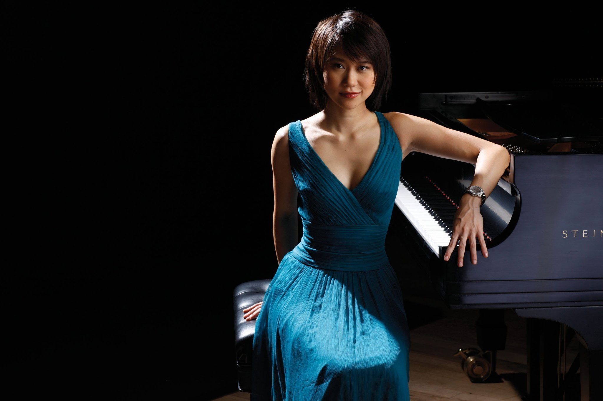 a review of the rachmaninoffs piano concerto no 2 performed by yuja wang Sergei prokofiev set to work on his piano concerto no 2 in g minor, op 16, in 1912 and completed it in 1913 but this concerto is lost the score was destroyed in a fire following the russian revolution.