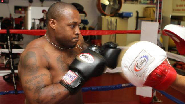 Chargers Running Back Mike Tolbert Hits The Gloves At Cyac Gym In National City