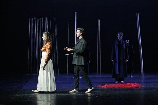 Peter Brook Reduces Mozart To Bare Essentials
