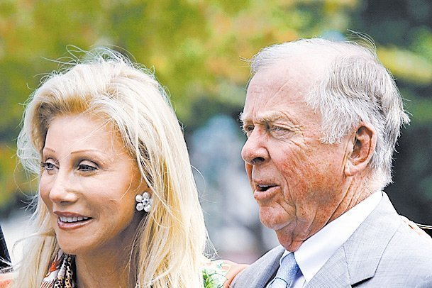 Madeleine Pickens And Oil Tycoon T Boone Pickens To