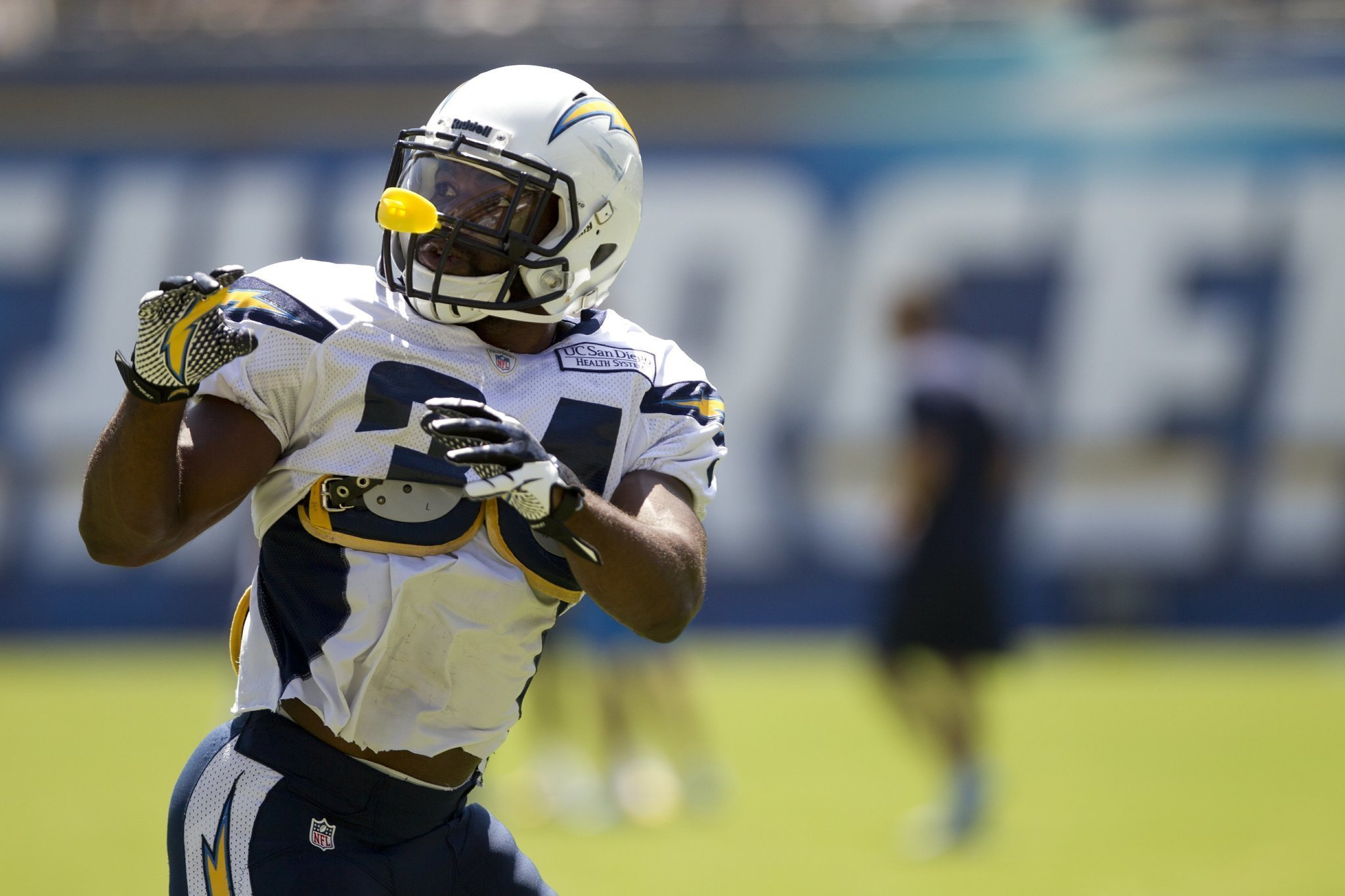 Browns Nab Ex Charger Fozzy Whittaker The San Diego