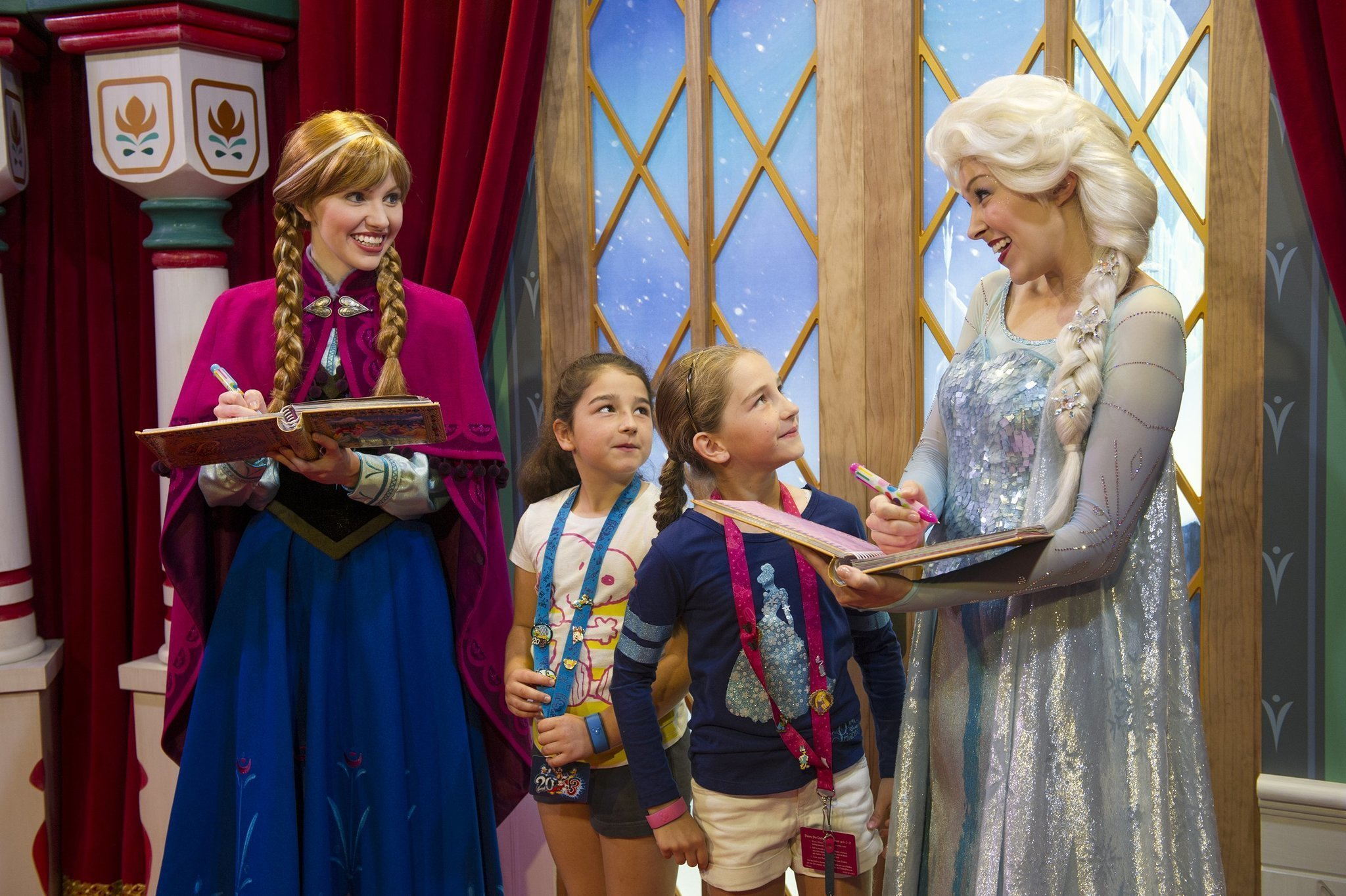 Frozen Characters Join Disney World Greeters The San Diego Union