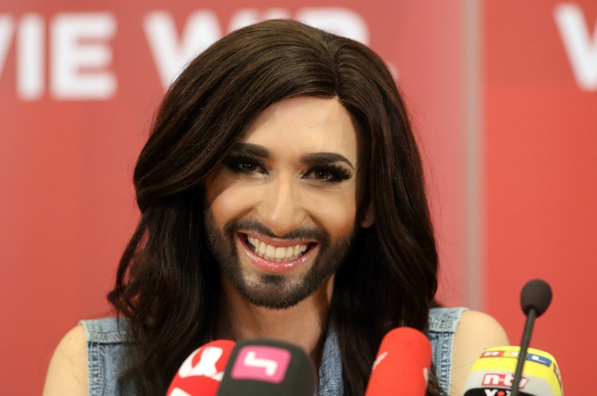 Conchita wurst and dana international in eurovision first star - Wurst S Eurovision Win Shows Pop Still Political The San Diego Union Tribune
