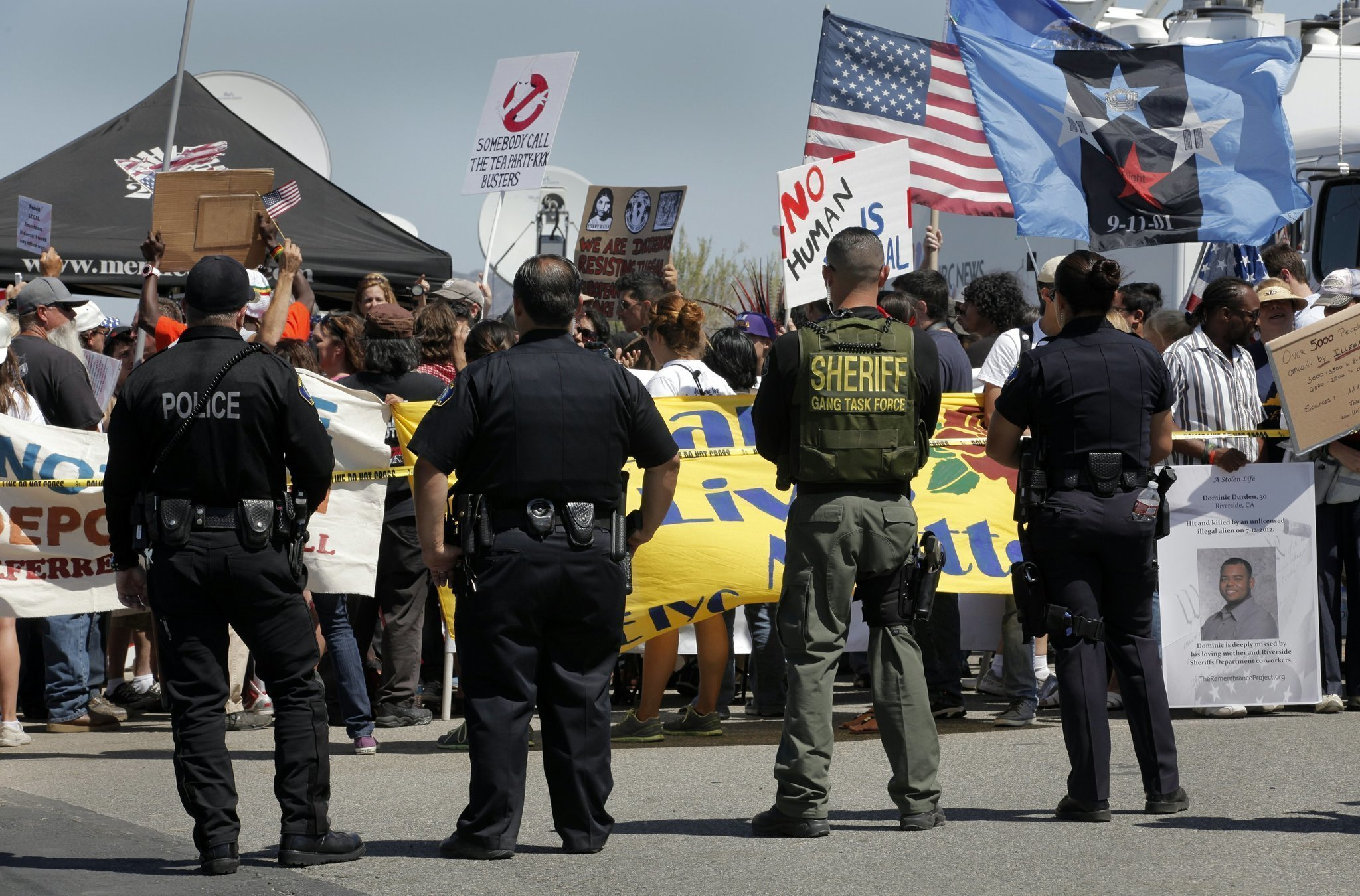 Murrieta Immigrant Confrontation Continues On 4th Of July With No Official  Word Of Whether Another Planeload Is Coming To San Diego.