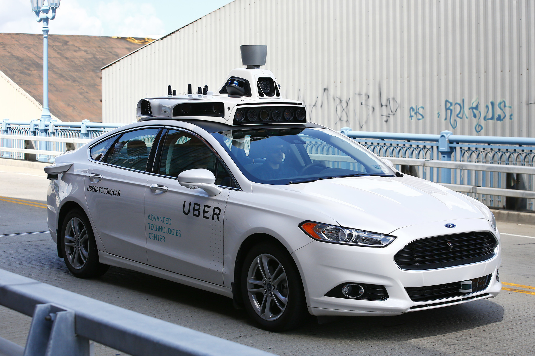 inside the story of how uber launched its self driving cars in pittsburgh chicago tribune. Black Bedroom Furniture Sets. Home Design Ideas