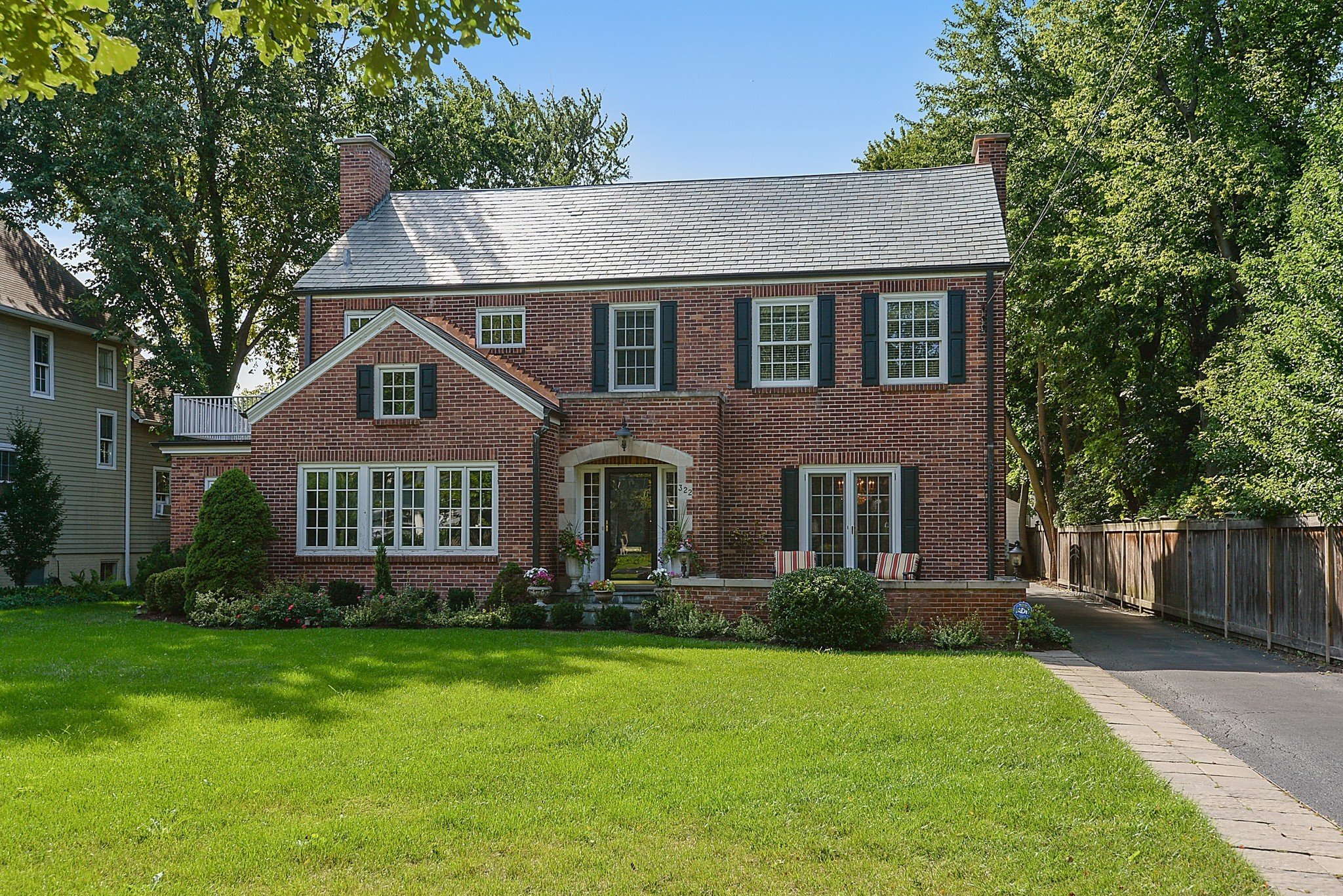 All brick home in winnetka 1 7m chicago tribune for All brick