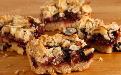 Vegan berry bars