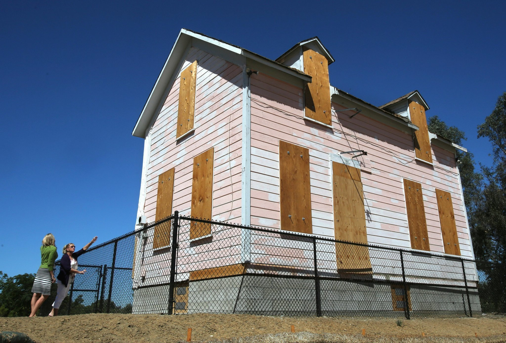 Old pink house in san marcos finds new home down discovery for Meyer house