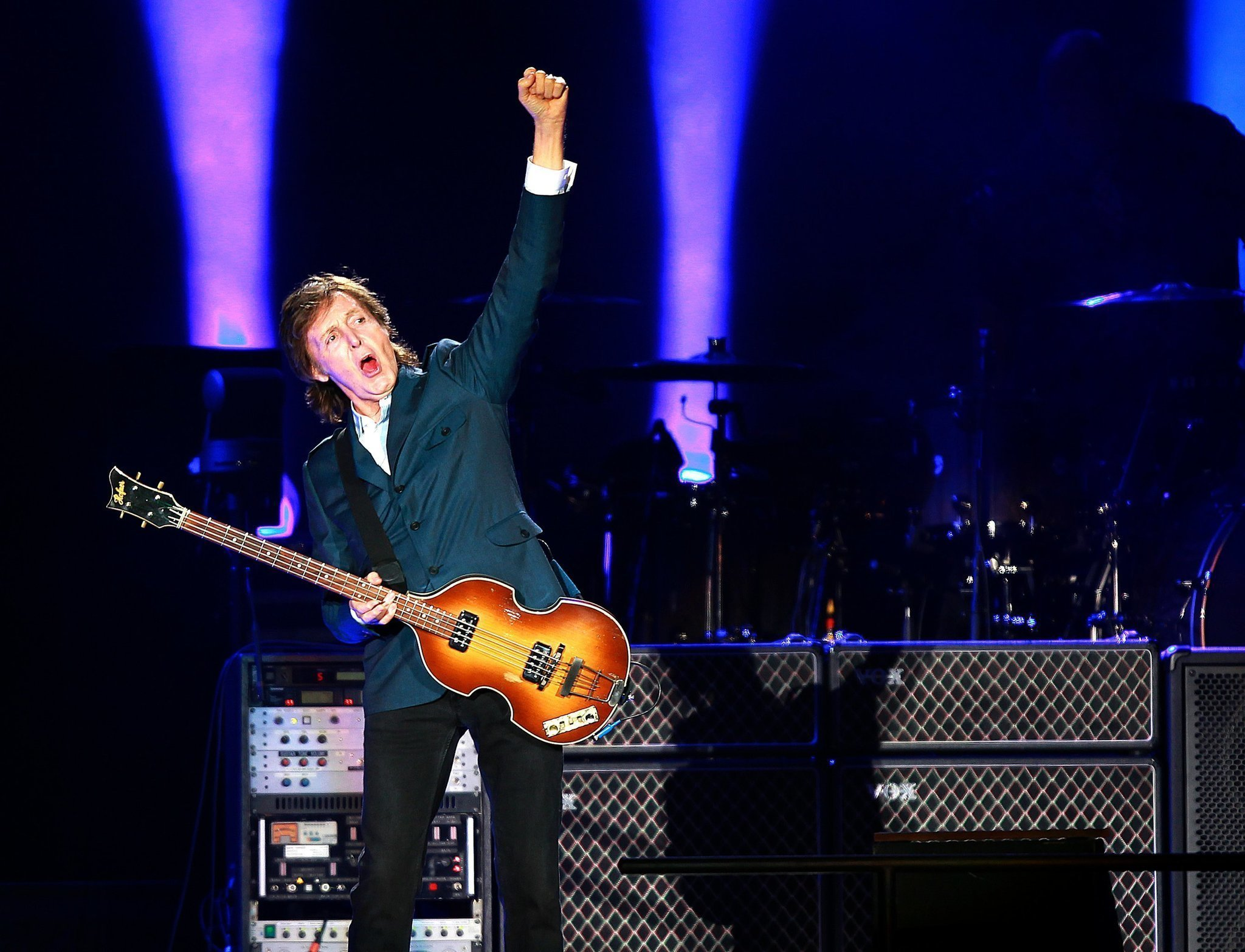 Paul Mccartney Wowed A Sell Out Crowd Of 42000 At His Petco Park