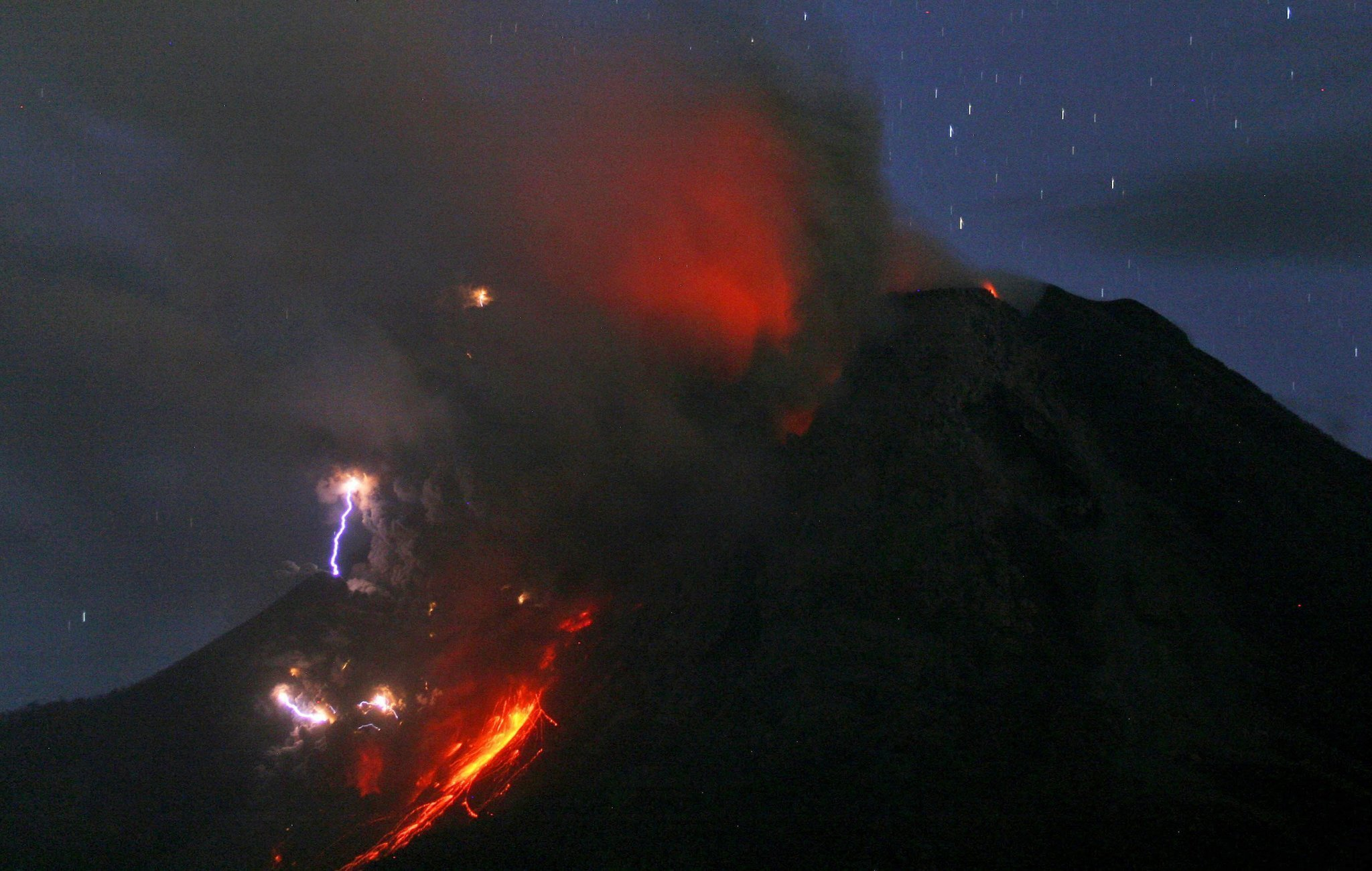 Image Of Asia Volcanic Lightning On Display The San Diego Union - 14 amazing volcanic eruptions pictured space