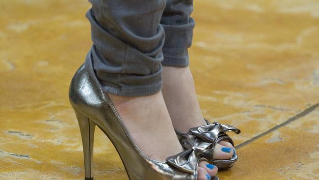Study says men are nicer to women wearing high heels sexy shoes