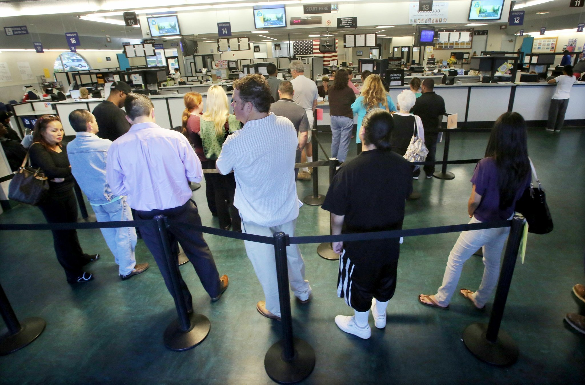 Dmv bracing for surge of new customers the san diego for California department of motor vehicles san diego ca