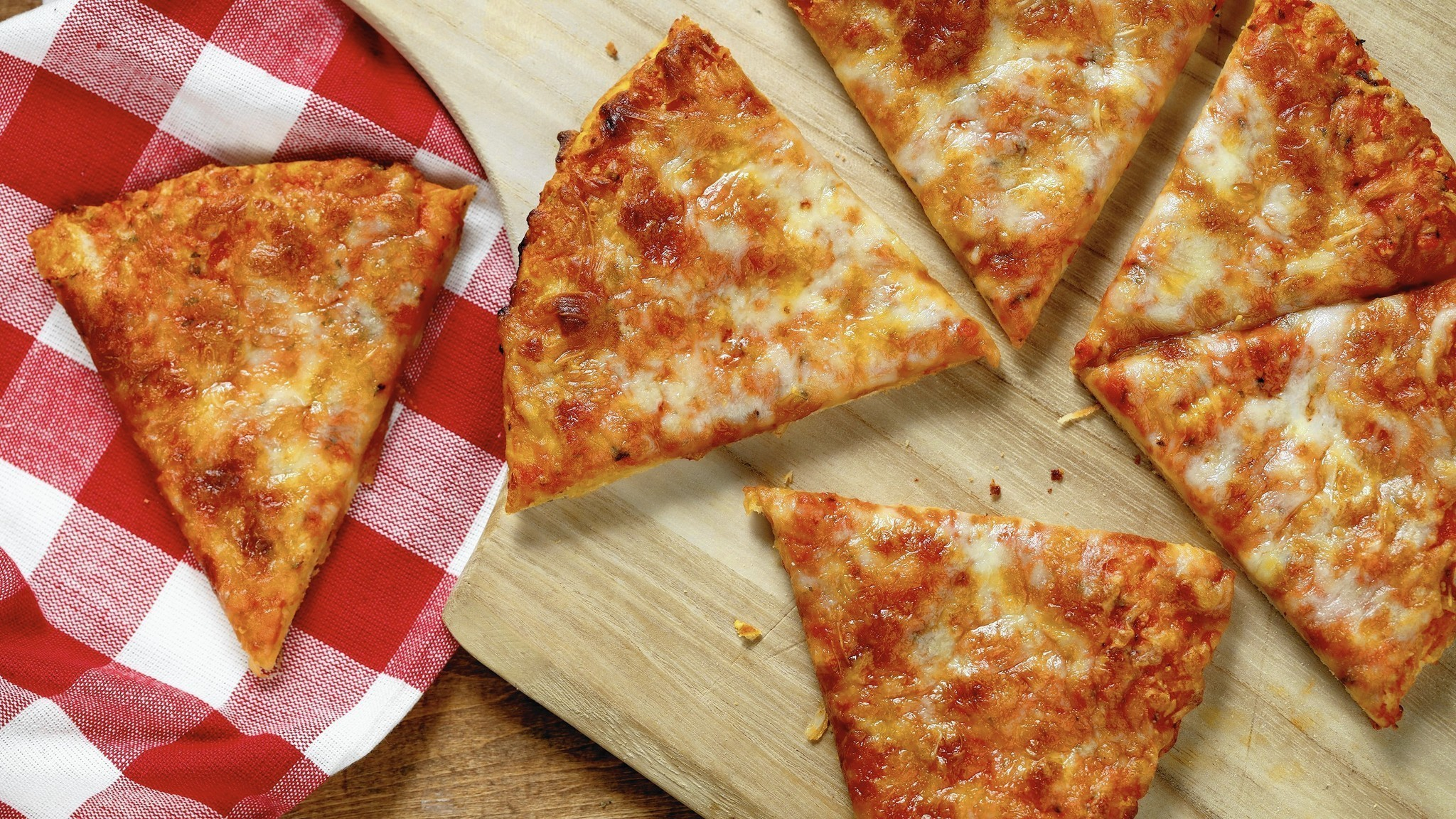We Taste Test Frozen Pizzas So You Dont Have To Chicago Tribune